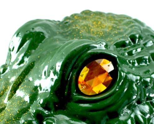 up close gator guard eye