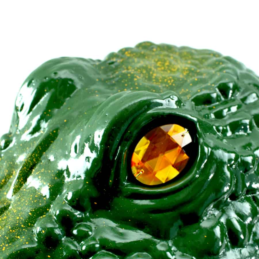up close gator guard eye
